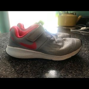 Grey w/ Red Swoosh Nike Shoes Size 1.5Y